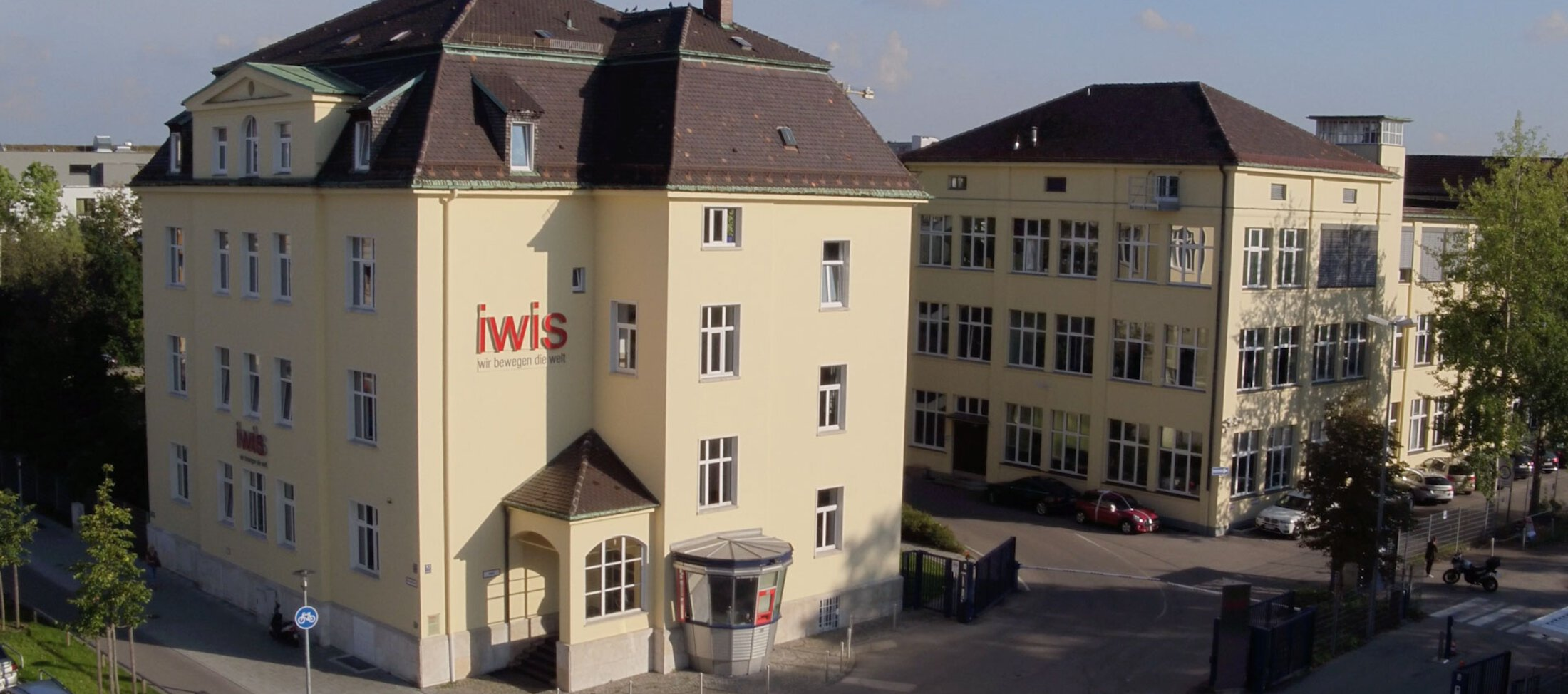 iwis - international chain manufacturer & family company
