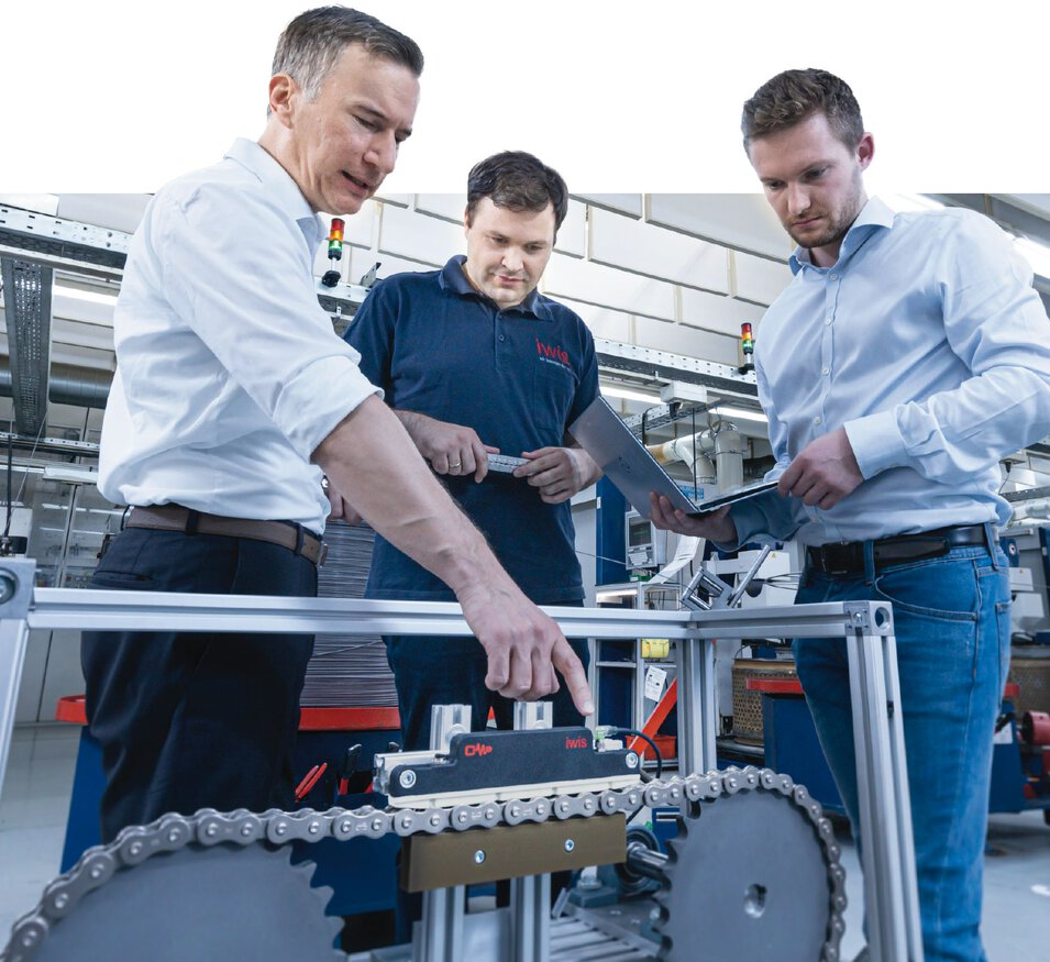 iwis CCM-S in Betrieb mit Engineering Team